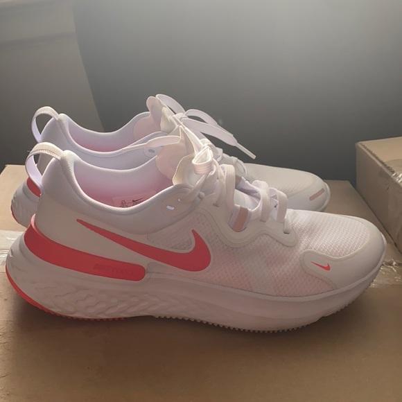 Nike React women's size 9.5